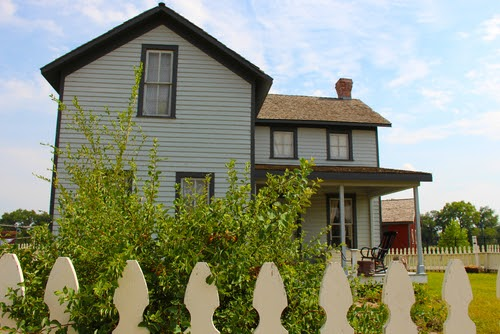 3 Essential Evaluations to Get When Restoring a Historic Home