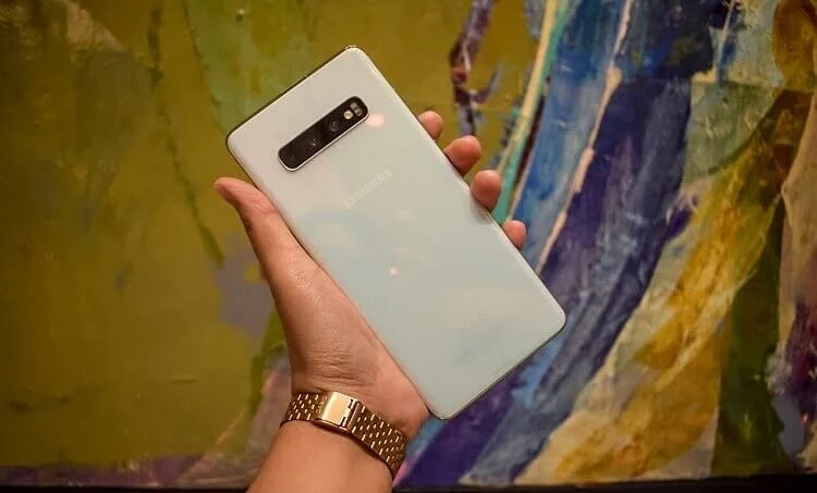 Samsung Galaxy S10 Back Design