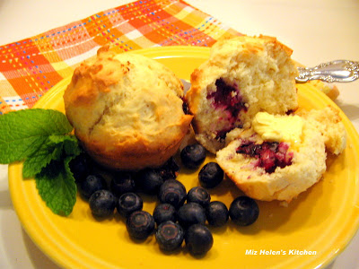Berrry Patch Muffins at Miz Helen's Country Cottage