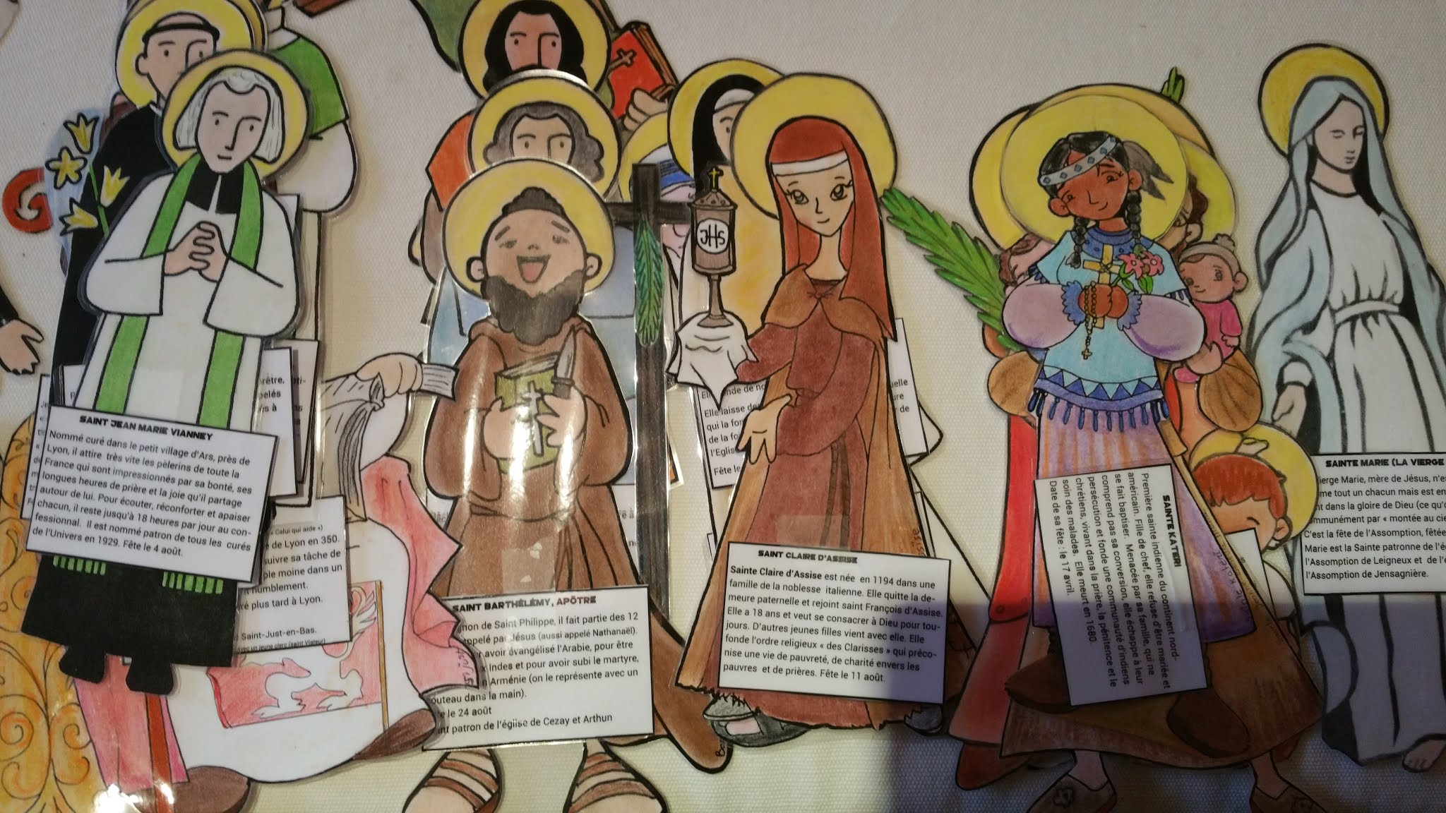 Jeu de cartes : découvrir quelques saints pour la toussaint