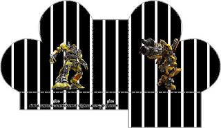 Caja abierta en forma de corazón de Transformers.