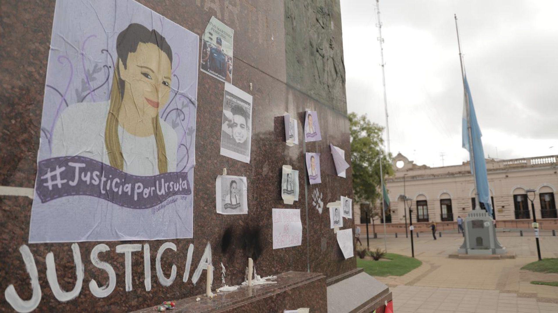 Dolor y bronca. Familiares, amigos y vecinos despiden los restos de Úrsula, la joven asesinada en Rojas