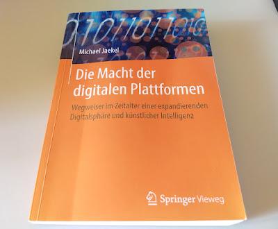 """Das Fachbuch """"Die Macht der digitalen Plattformen"""" von Michael Jaekel"""