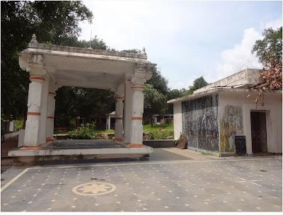 Papulaveedu Bharaiveswara and Sarvamangala Temple Mundlapadu