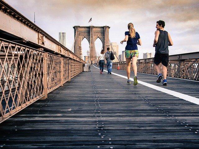 manfaat lari sore dan pagi