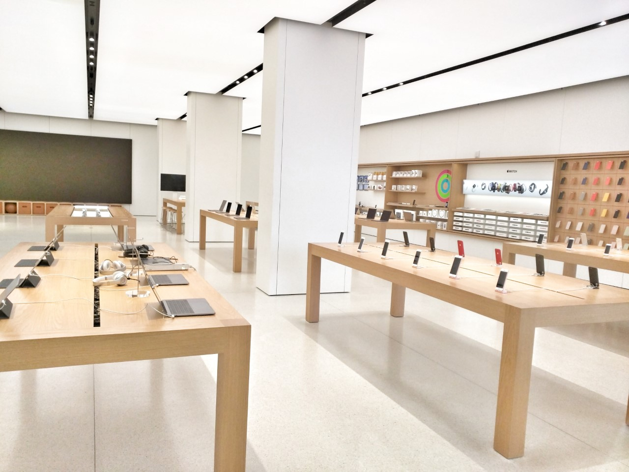 Apple to Reopen Stores Outside China Starting April 5th, Reopening Stores in Staggered Intervals