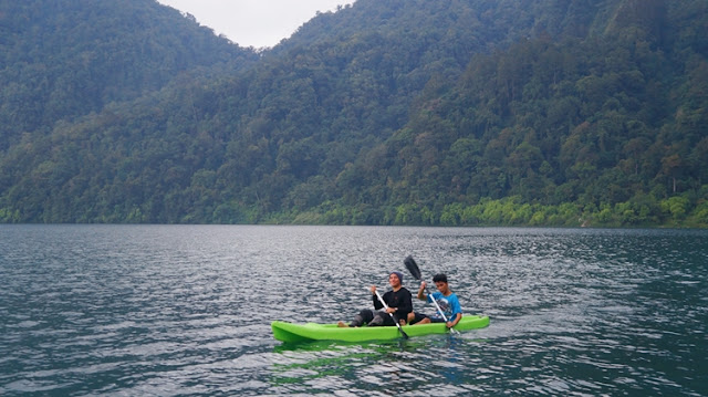 Kayaking in Lake Holon