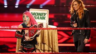 WWE - El embarazo y despedida de Becky Lynch hace campeona a la Ms. Money in the Bank, Asuka