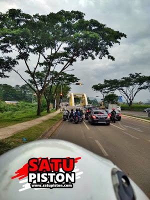 Mengintip Lampu Merah Di Jembatan 3 Kota Baru Parahyangan Bandung Barat