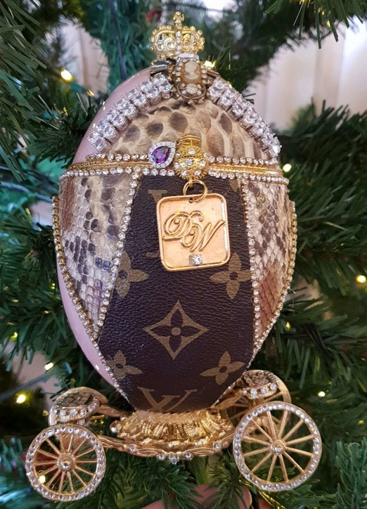 L'albero di Natale più costoso in Spagna: 14 milioni di euro; diamanti, cristalli, oro