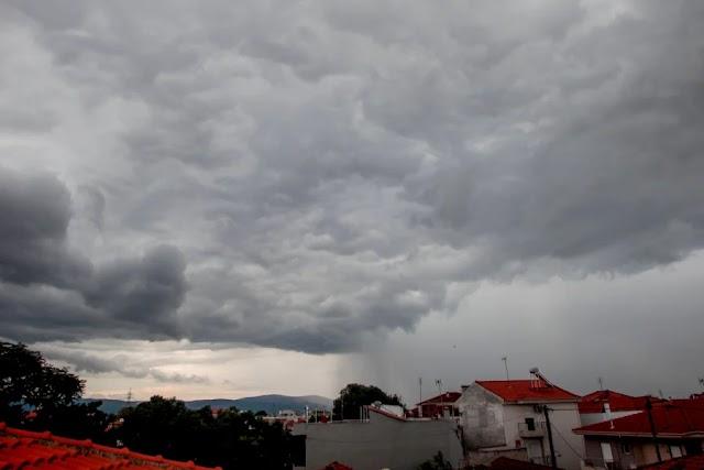 Αλλαγή σκηνικού στον καιρό: Μετά τον καύσωνα έρχεται και στην Ελλάδα η «ψυχρή λίμνη» με επικίνδυνες καταιγίδες