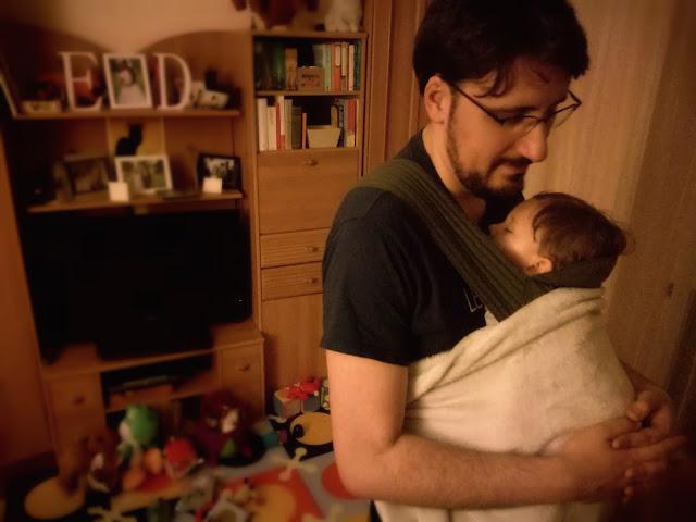 sen niemowlęcia nosidełko chusta