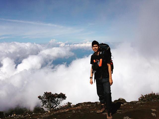 foto puncak gunung ciremai jawa barat