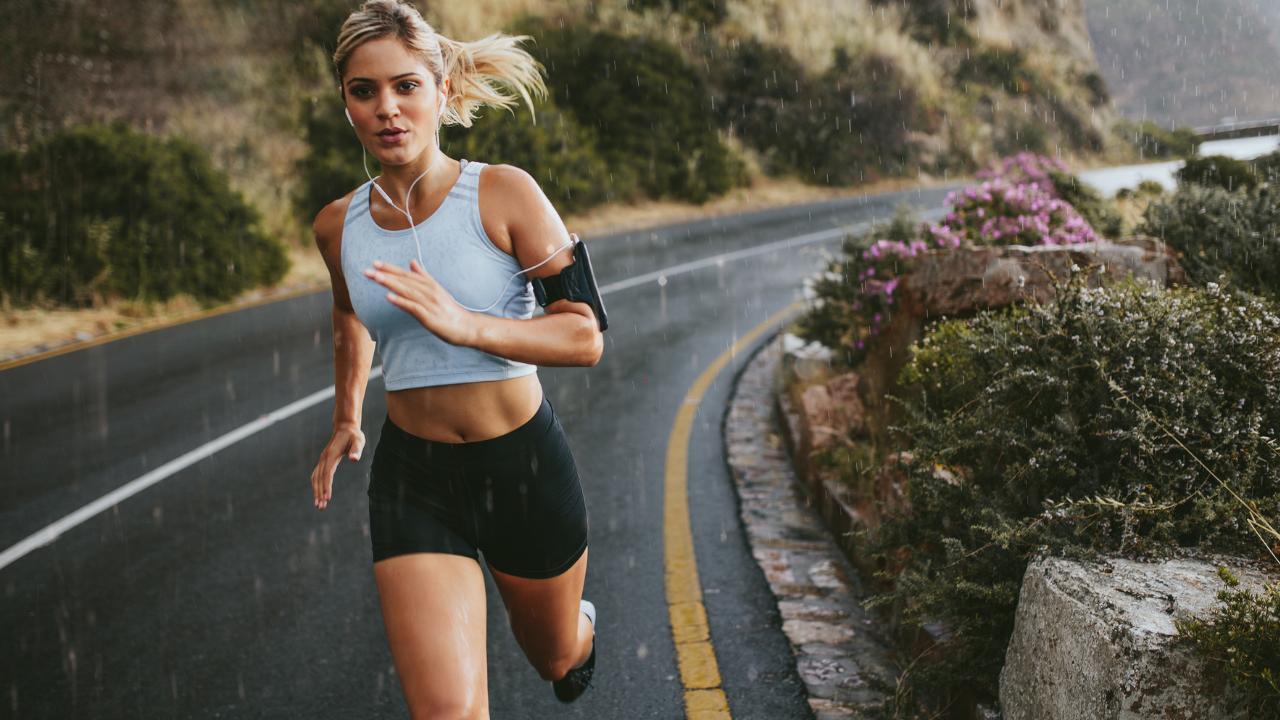 Running Step Rate & Risk of Bone Stress Injury - themanualtherapist.com
