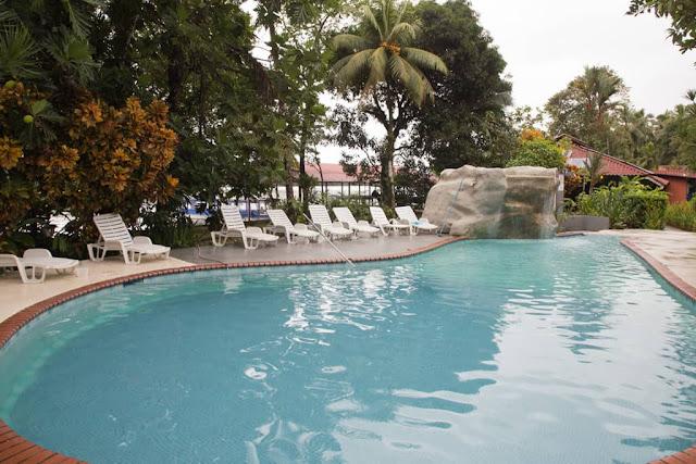 Piscina en La Baula Lodge, Tortuguero, Costa Rica