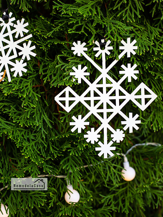 how to make snowflakes out of metal