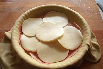 Focaccia funghi, prosciutto e formaggio 11