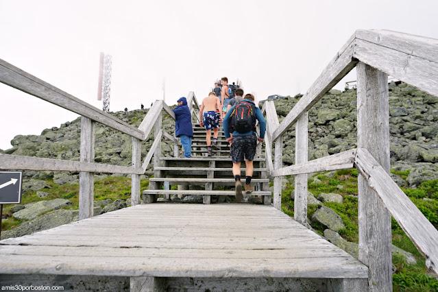 Escaleras desde el Parking a la Cima de Mount Washington, New Hampshire