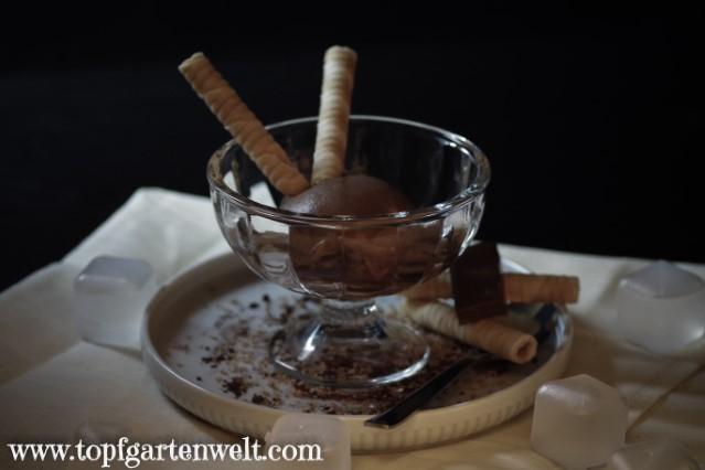 weltbestes Schokoladeneis ohne Ei aus der Eismaschine - Foodblog Topfgartenwelt