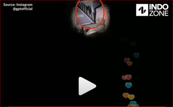 Live Streaming Dibangunan Tua, Pria Ini Rekam Sosok Kuntilanak Duduk Dibawah Tangga
