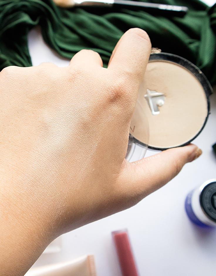 Makeup Revolution Translucent Pressed Powder Review