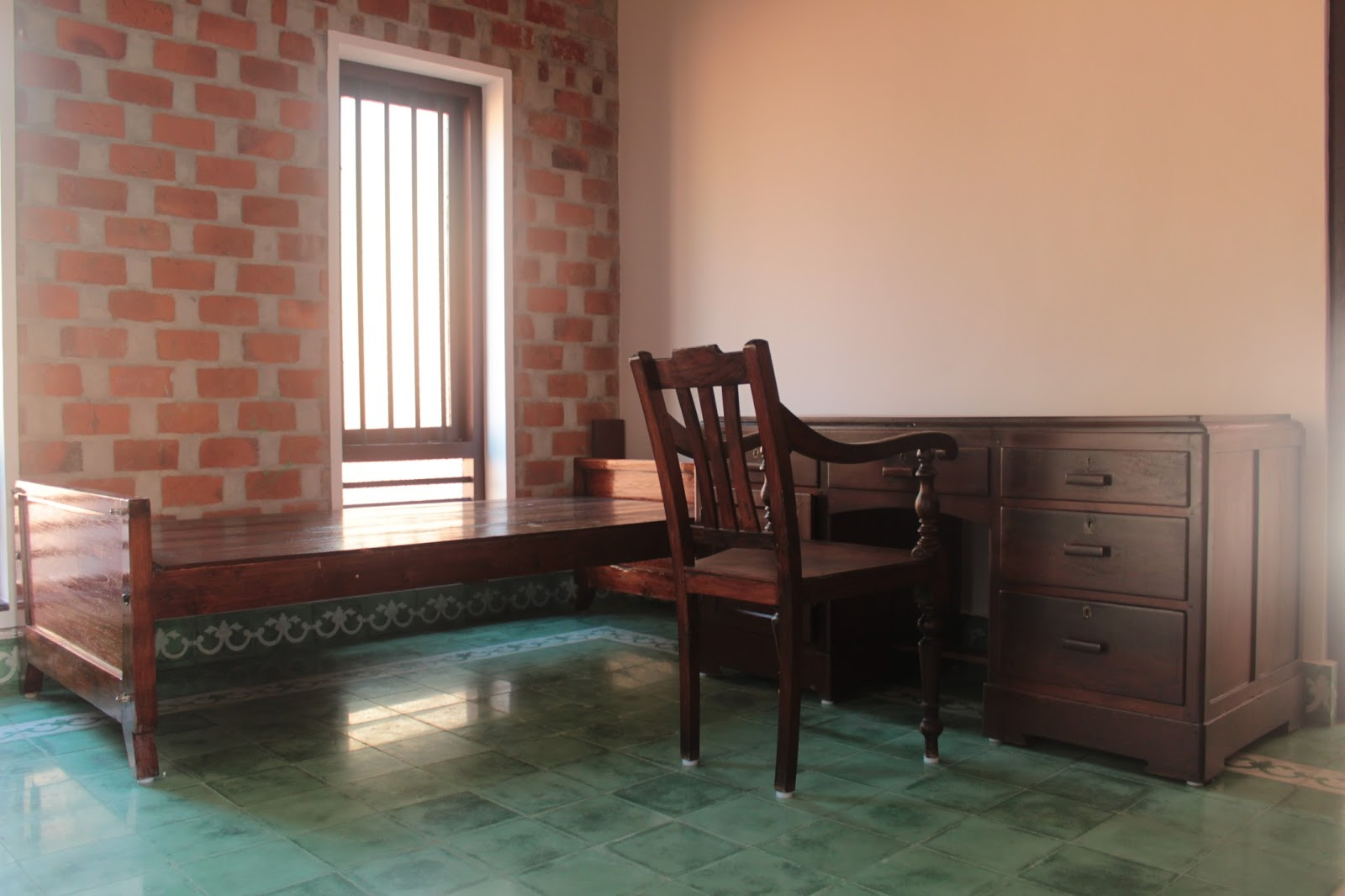 Jorgie Lawyers Blog Our Green Baker Home Built By Costford At House Wiring Materials Kerala One Paved Wall In The Guest Bedroom Patch Pointing On Other Athangudi Tiles Floor