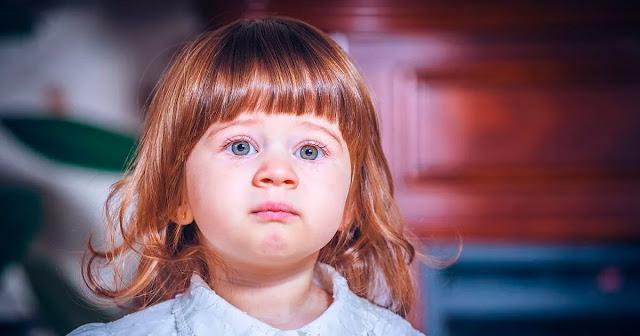 Папа отказался от девочки и она оказалась в детском доме. Спустя года она забрала оттуда маленькую девочку