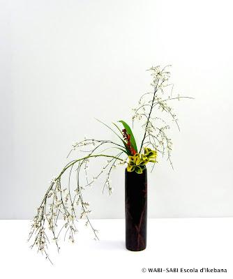 Ikebana-nageire-feestyle-wabisabi-escoladikebana