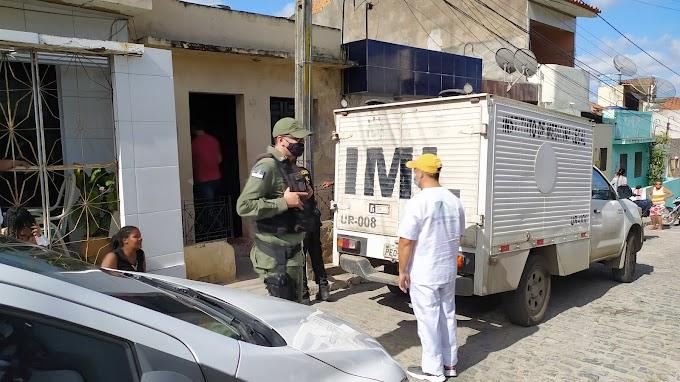 Filho mata a própria mãe a golpes de faca em Caruaru