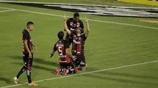 Vitória derruba invencibilidade do Cuiabá no Barradão