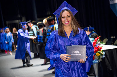 image of a 2015 graduate