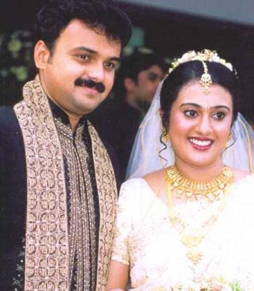 Wedding Family Photo List: Kunchacko Boban Wedding Photos