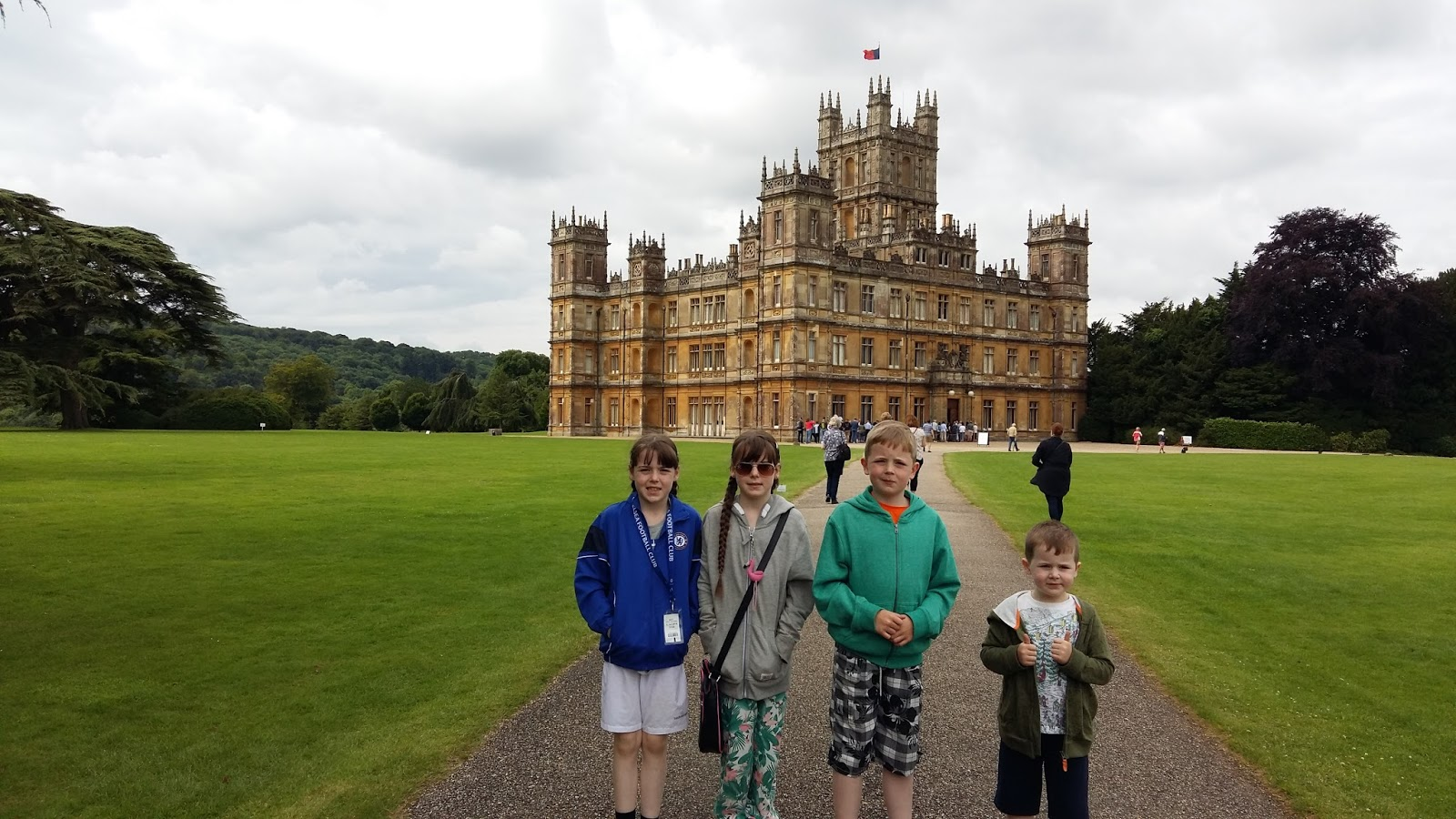 Cherrysue doin 39 the do highclere castle our trip to downton abbey - Downton abbey chateau ...