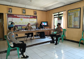 Jalin Komunikasi, Kapolsek Malua Polres Enrekang Silaturrahmi di Kantor Kelurahan