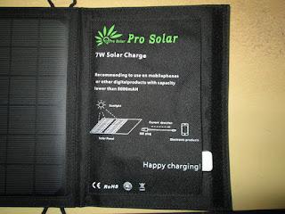 charger tenaga matahari (solar charger)