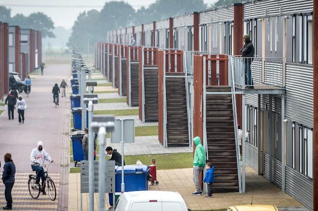 عدد اللاجئين القادمين إلى هولندا انخفض قليلاً والسوريين هم الأكثر عدداً