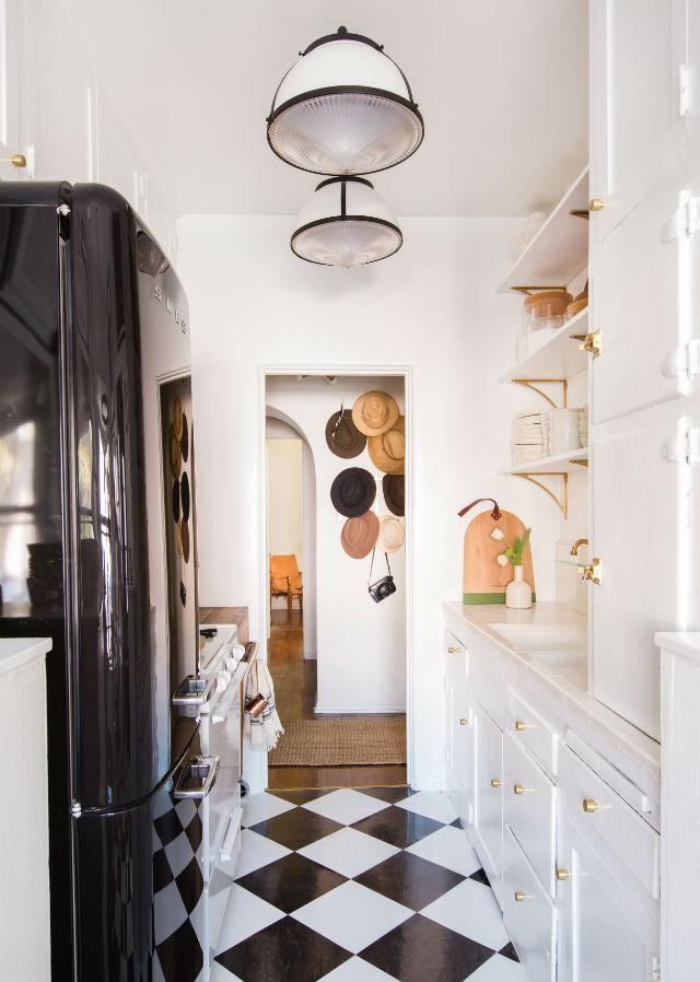 reforma sin obras de la cocina de una casa de alquiler