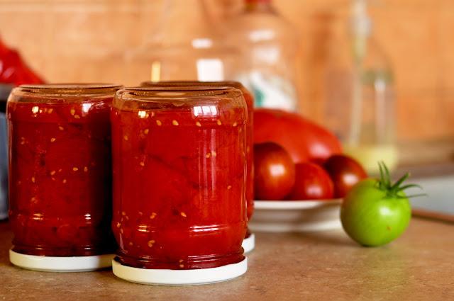 Širšių lizdas Konservuoti pomidorai