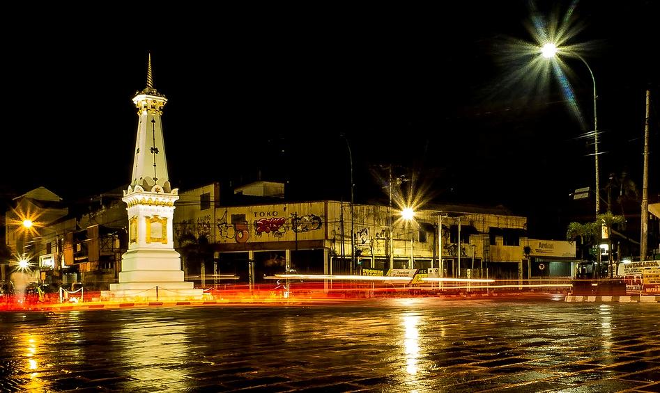 Tugu Yogya - Destinasi Wisata Malam Yogyakarta