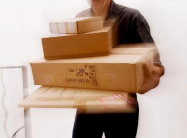 Ταχυμεταφορές:  Έφτασαν τις 800.000 ηλεκτρονικές παραγγελίες σε μια ημέρα