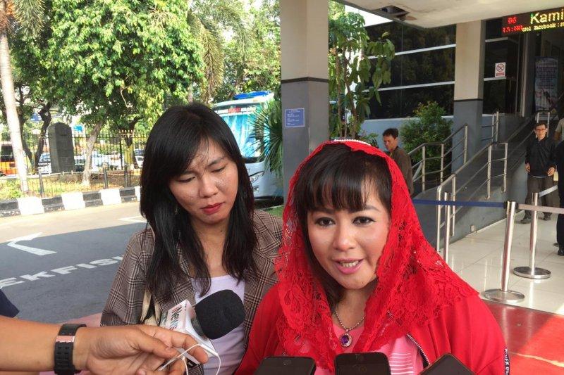 Dewi Tanjung Tiba-tiba Bilang 'Siap-siap Anies Baswedan Lengser'