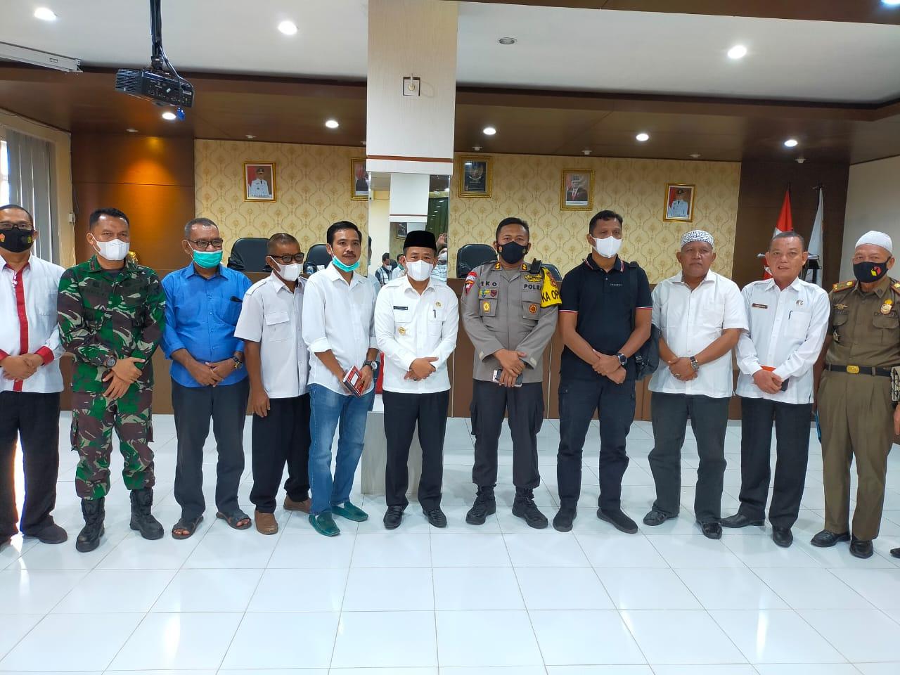 Wabup Inayatullah Kapolres Muratara AKBP Eko Sumaryanto, perwakilan Kodim 0406/MLM, Sekda saat rakor bersama Komunitas musisi dan pelaku Usaha jasa Musik. (Poto/ari)