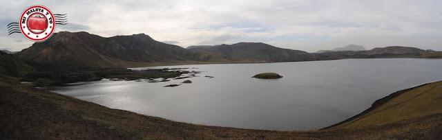 Lago Frostastaðavatn y colada de lava Námshraun