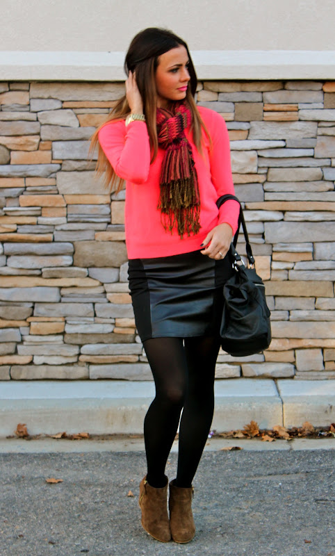 5b46c4756171 Top: Forever 21 | Scarf: Nordstrom (old) | Skirt: Macy's (old, but amazing  style here) | Tights: Tj maxx | Shoes: Zara | Purse: Koo De Kerr | Watch:  Michael ...