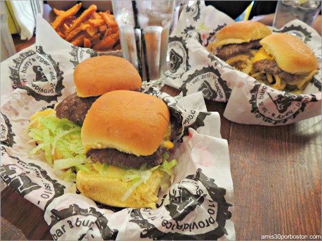 Hamburguesas en Harry's Bar & Burger, Providence