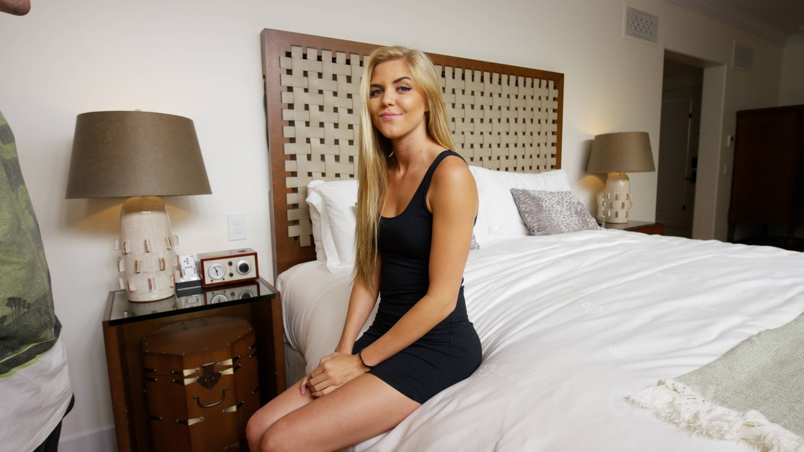 Simple-Text-Messages Blonde In Black Dress 85 Pics 53 Mb -7391