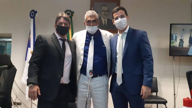Eduardo Batista é eleito presidente da Câmara e demonstra grande força política