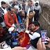 सपा सुप्रीमो ने लक्ष्मीपुर में मृतका के पिता को जिलाध्यक्ष के हाथों 50 हजार रुपए का दिया सहयोग राशि