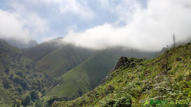 Subiendo a los Lagos de Covadonga desde Entrepeñas