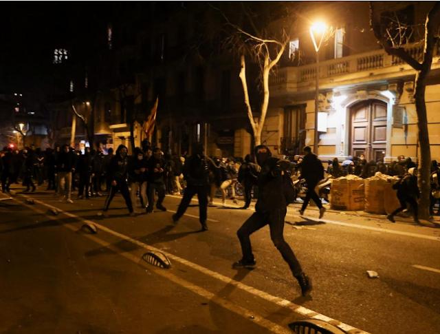 Los Mossos han detenido a 129 personas durante las protestas en apoyo de Pablo Hasel